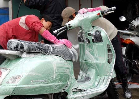 Cách bảo dưỡng màu sơn xe máy đúng cách - 1