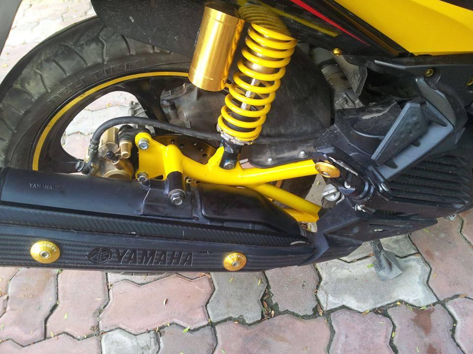 Sơn gắp xe máy
