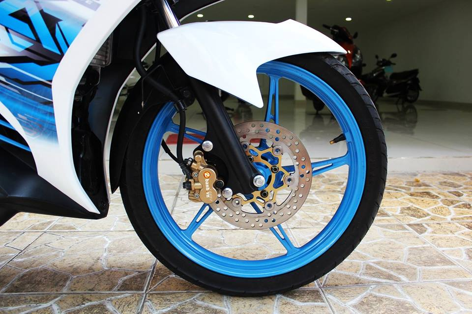 Sơn phối màu Exciter GP xanh ngọc - trắng