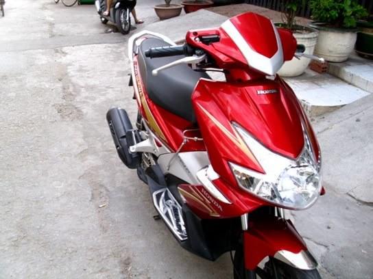 Sơn xe Air Blade  2010 màu đỏ đen - trắng cực đẹp