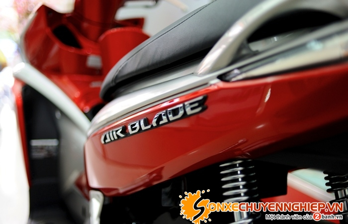 Sơn xe Air Blade  2011 màu đỏ - trắng zin cực đẹp