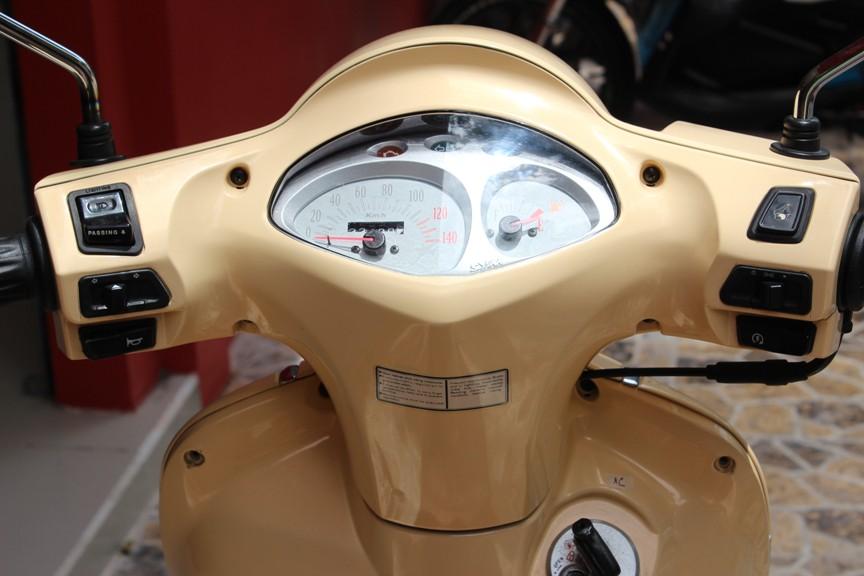 Sơn xe Attila Elizabeth màu vàng zin cực đẹp