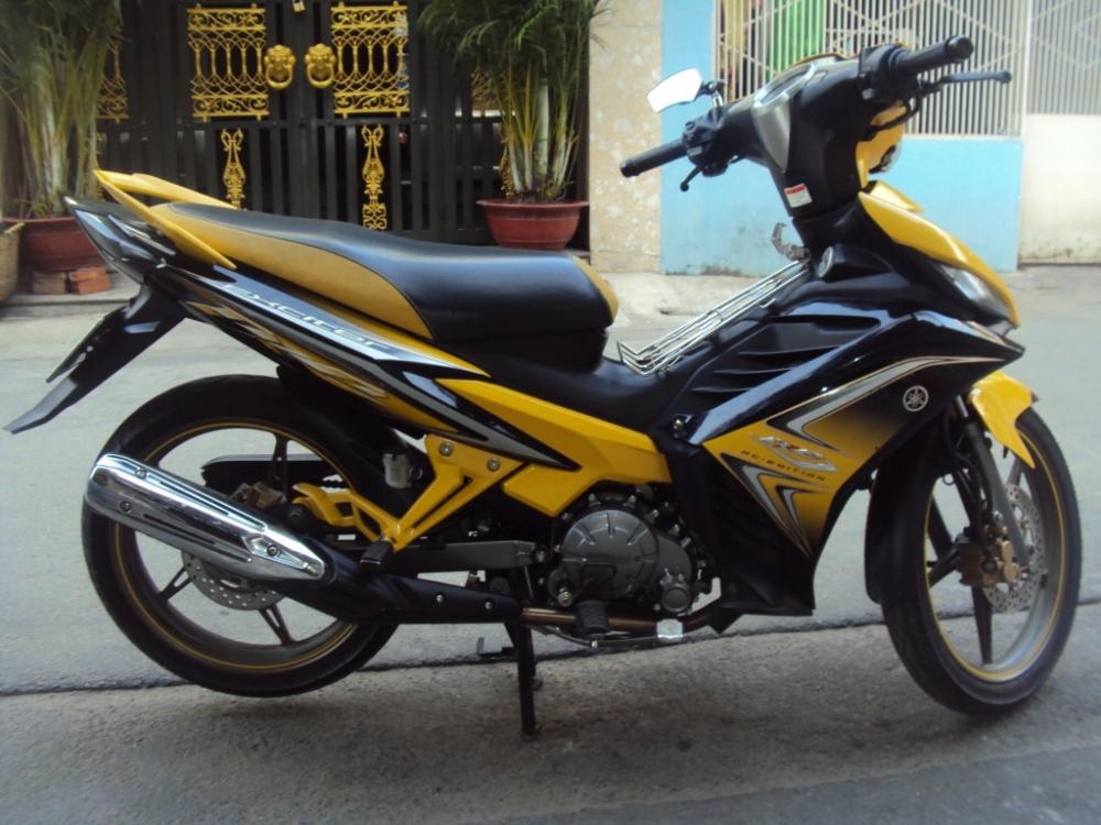 Sơn xe Exciter RC 2011 màu vàng đen zin cực đẹp
