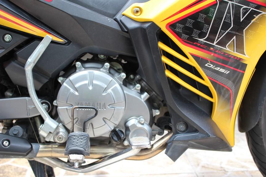 Sơn xe Exciter RC 2012 màu vàng đen zin cực đẹp