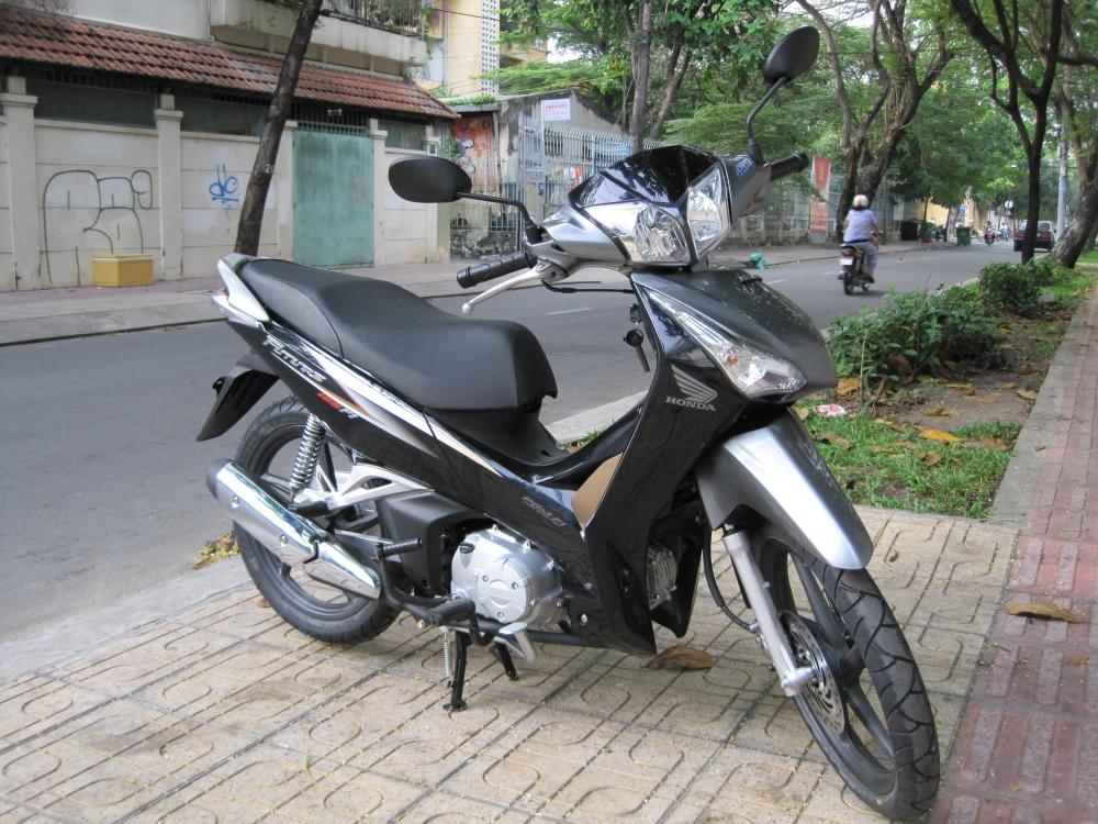 Sơn xe Future 2012 màu đen bạc zin cực đẹp