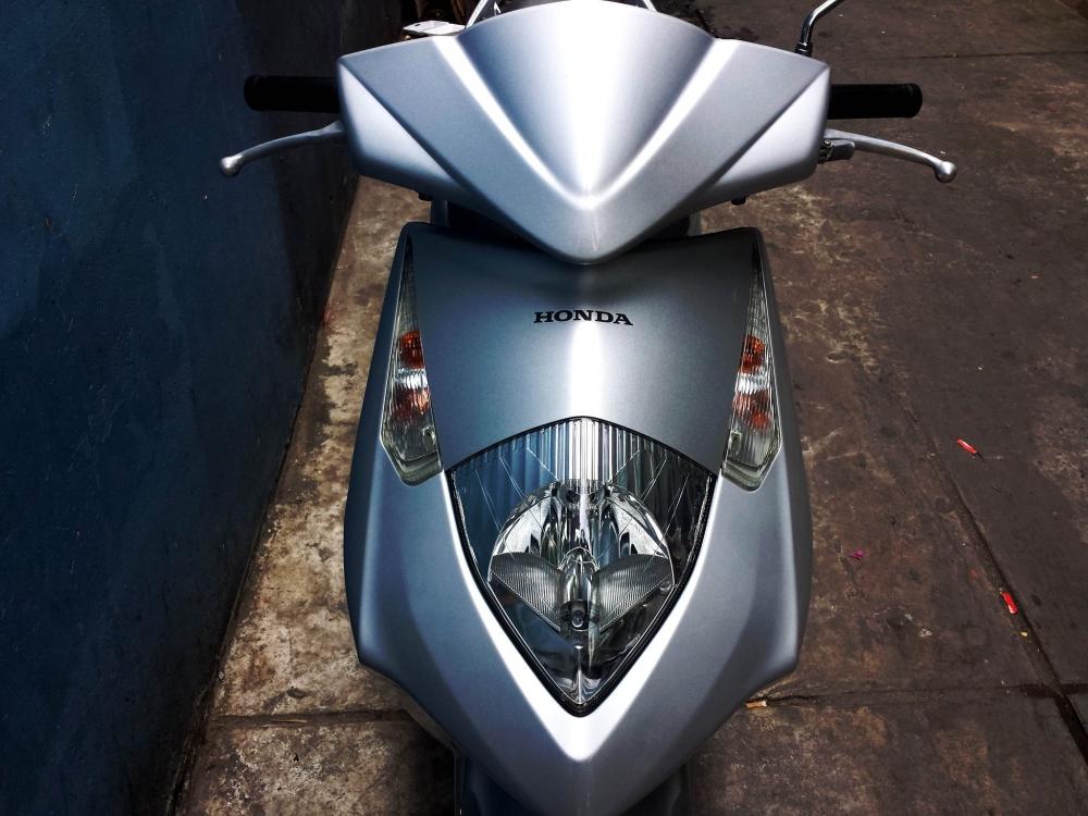 Sơn xe Honda Dylan 2005 màu  bạc zin cực đẹp
