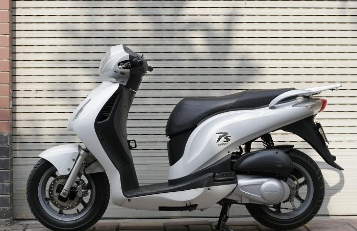 Sơn xe Honda PS màu trắng phong cách, cực đẹp