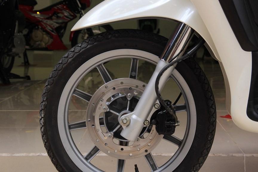 Sơn xe liberty 125 màu trắng zin cực đẹp