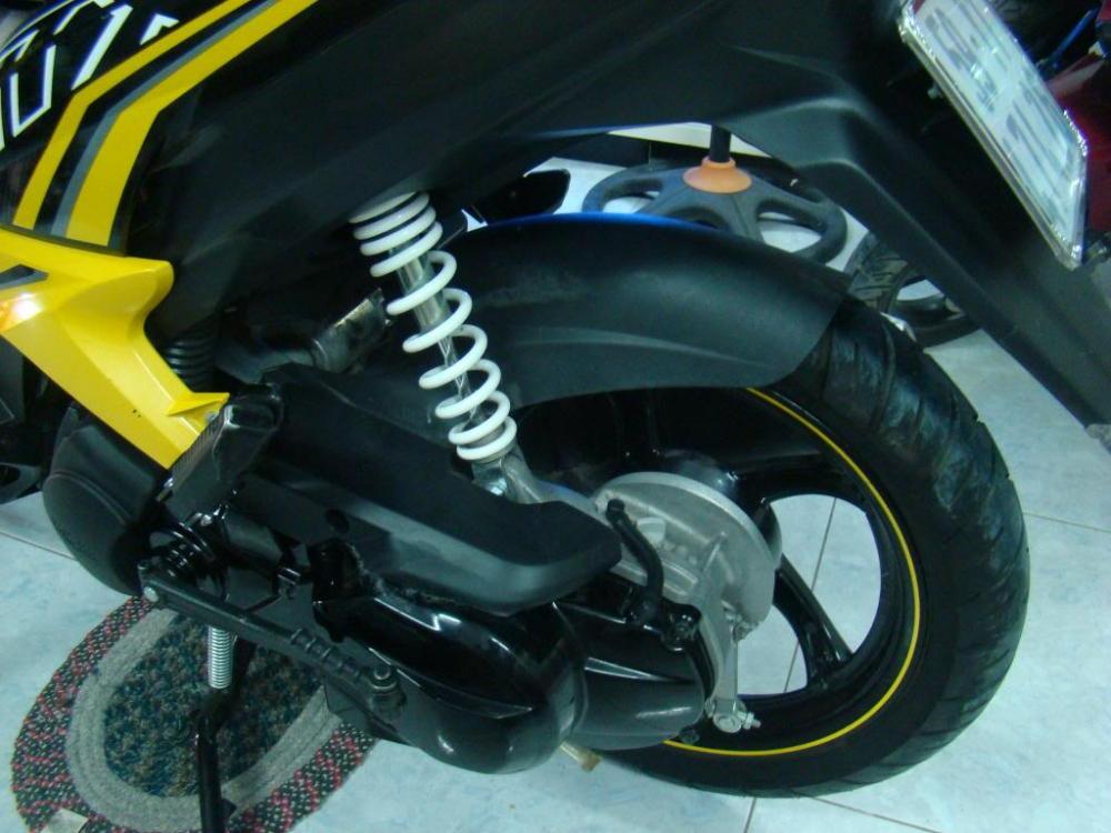 Sơn xe Luvias GTX màu vàng đen zin cực đẹp
