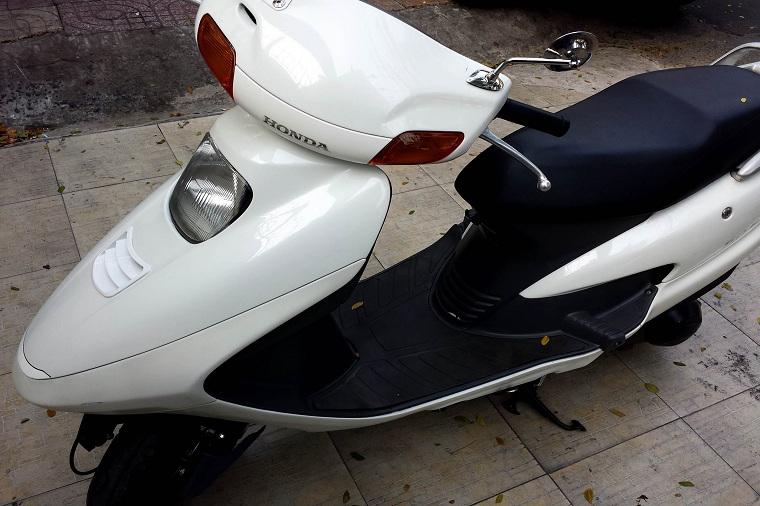 Sơn xe Spacy màu trắng zin cực đẹp