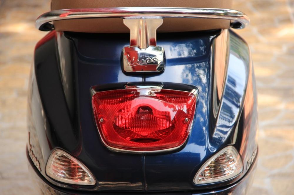 Sơn xe Vespa LX 125 màu xanh zin cực đẹp