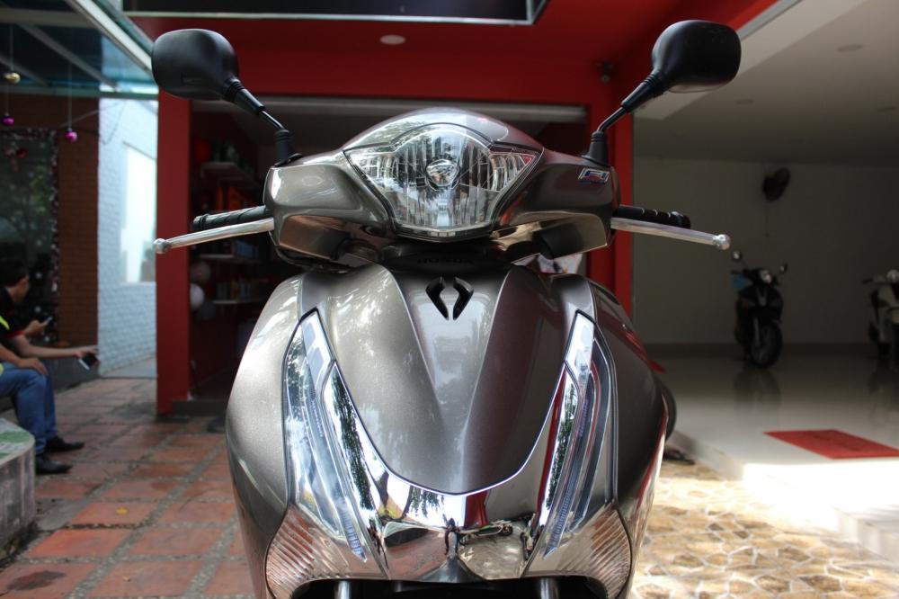 Sơn xe SHVN 150i 2012 xám bạc cực đẹp