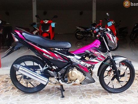 Sơn màu độc Suzuki Raider hồng xám đen nổi bật