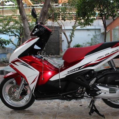 Sơn xe Air Blade  2013 màu trắng - đỏ zin cực đẹp