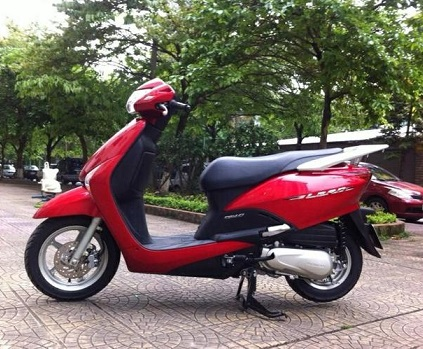 Sơn xe Lead 2012 màu đỏ zin cực đẹp