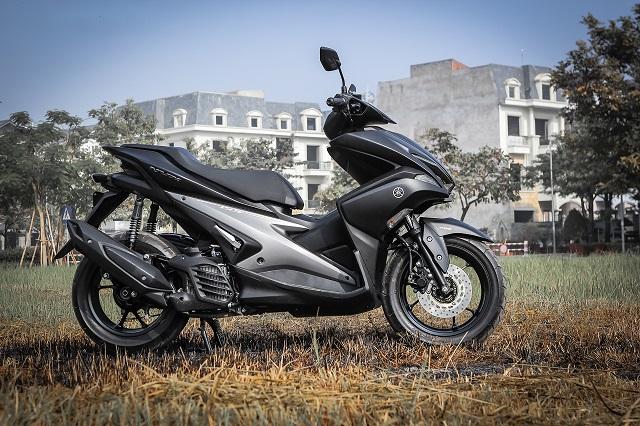 Sơn xe NVX 155 màu đen nhám zin cực đẹp